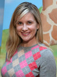 "Kellie Martin @ Baskin Robbins ""Wrapped With A Bow"" event in Los Angeles 12/05/08- 5 HQ"