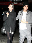 th 20874 Gomez10 123 152lo Selena Gomez   leaving a restaurant in Manhattan 02/12/12 x14Q