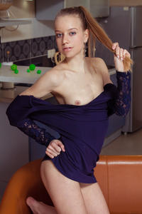 http://img145.imagevenue.com/loc181/th_757527182_tduid300163_MetArt_Ondyre_Kimberly_Kace_high_0028_123_181lo.jpg