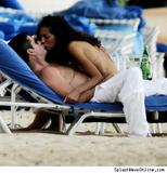 th 10429 simon terri splash 122 205lo Photos of celebrities caught smooching