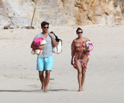 th_21044_OliviaPalermo_BikinicandidsonthebeachinSaintBarthelemy_January42011_122_241lo.jpg
