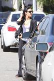 http://img145.imagevenue.com/loc30/th_47020_Demi_Lovato_stops_by_Romance_Nail_Spa_003_122_30lo.jpg
