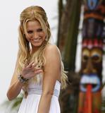 Ashlee Simpson MTVs Summer Sizzle HQs x6